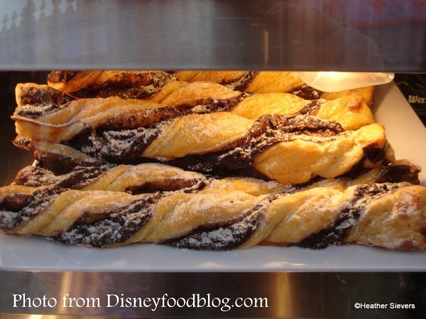 Disneyland Snacks: Our Quest for the Best