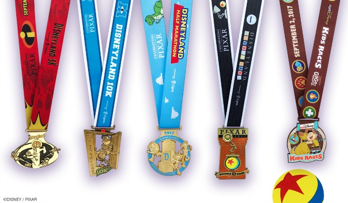2017 Disneyland Half Marathon Weekend Medal Reveal!